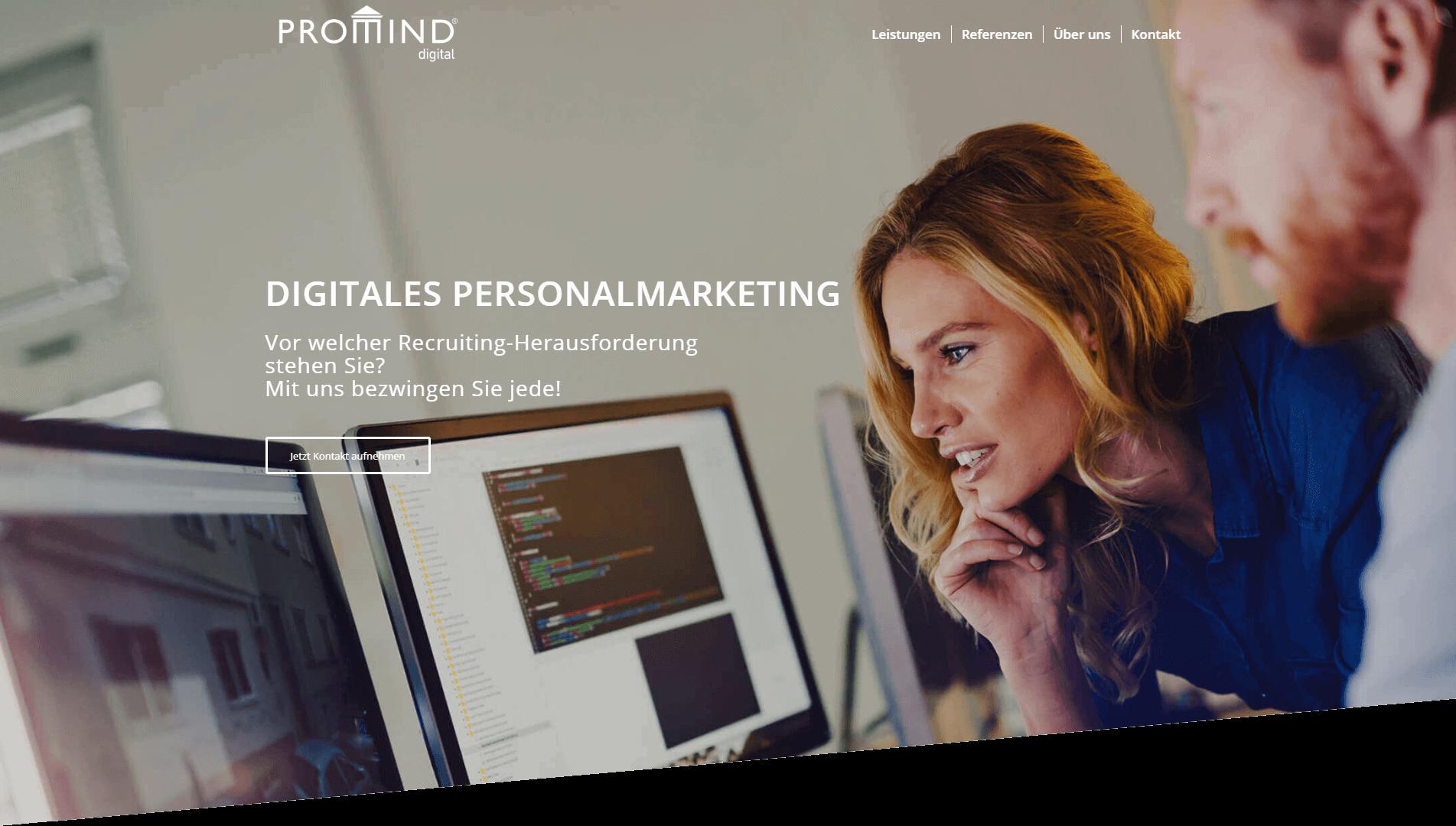 Mitarbeiter von MVI PROMIND digital planen Personalmarketing-Kampagne in München